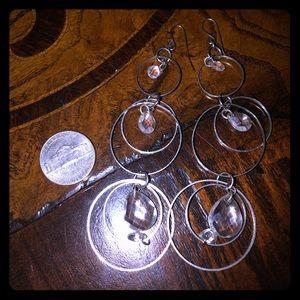 Jewelry - Silver tone dangle earrings w clear stones